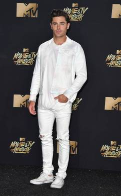 rs_634x1024-170507170005-634.Zac-Efron-MTV-Movie-and-TV-Awards.kg.050717