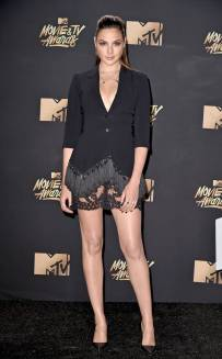 rs_634x1024-170507170152-634-gal-gadot-mtv-movie-tv-awards-2017