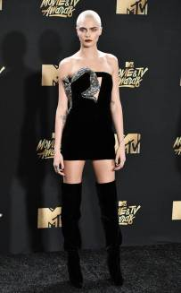 rs_634x1024-170507171339-634-cara-delevingne-mtv-movie-tv-awards-2017