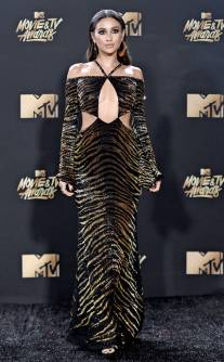 rs_634x1024-170507172108-634-shay-mitchell-mtv-movie-tv-awards-2017