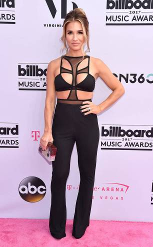rs_634x1024-170521143832-634.Jessie-James-Decker-Billboard-Music-Awards-Las-Vegas.kg.052117