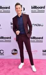 rs_634x1024-170521144405-634.Jason-Kennedy-Billboard-Music-Awards-Las-Vegas.kg.052117
