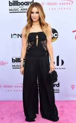 rs_634x1024-170521154908-634.Ashley-Tisdale-Billboard-Music-Awards-Las-Vegas.kg.052117