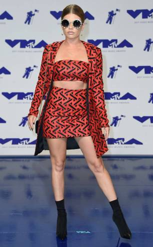 rs_634x1024-170827153750-634-chanel-west-coast-mtv-vma