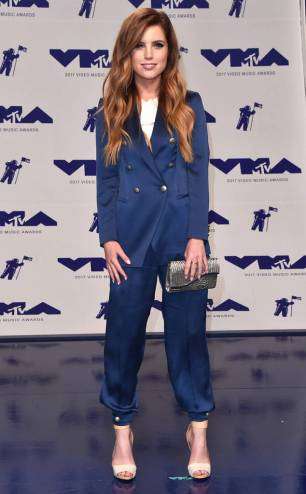 rs_634x1024-170827154121-623-echosmith-mtv-vma