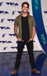rs_634x1024-170827154454-623-tyler-posey-mtv-vma