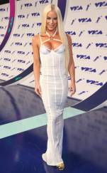 rs_634x1024-170827160554-634-gigi-gorgeous-mtv-vma