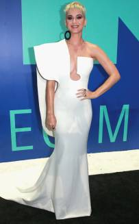 rs_634x1024-170827162512-634-katy-perry-mtv-vma