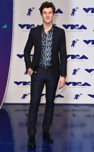 rs_634x1024-170827162905-634-sean-mendes-mtv-vma
