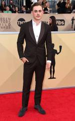 rs_634x1024-180121153958-634-red-carpet-fashion-2018-SAG-awards-dacre-montgomery.ct.012118