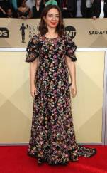 rs_634x1024-180121163254-634-red-carpet-fashion-2018-SAG-awards-maya-rudolph