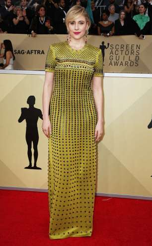 rs_634x1024-180121165226-634-greta-gerwig-red-carpet-fashion-2018-SAG-awards
