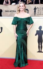 rs_634x1024-180121165522-634-reese-witherspoon-red-carpet-fashion-2018-SAG-awards