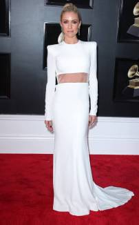 rs_634x1024-180128121834-634-red-carpet-fashion-2018-grammy-awards-kristin-cavallari