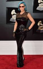 rs_634x1024-180128153016-634-red-carpet-fashion-2018-grammy-awards-jenny-mccarthy