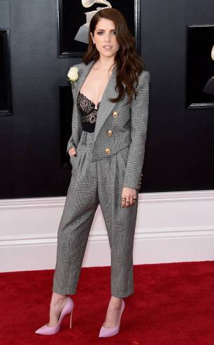 rs_634x1024-180128153212-634-anna-kendrick-red-carpet-fashion-2018-grammy-awards-1