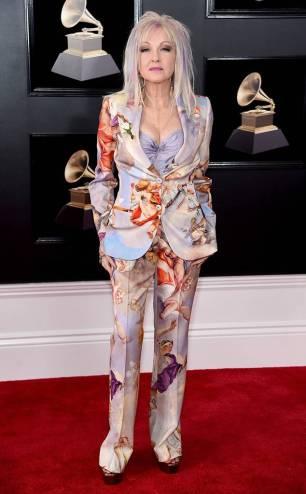 rs_634x1024-180128153952-634-cyndi-lauper-red-carpet-fashion-2018-grammy-awards
