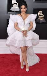 rs_634x1024-180128155733-634-red-carpet-fashion-2018-grammy-awards-cardi-b