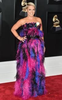 rs_634x1024-180128161416-634-red-carpet-fashion-2018-grammy-awards-pink