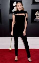 rs_634x1024-180128161832-634-red-carpet-fashion-2018-grammy-awards-miley-cyrus