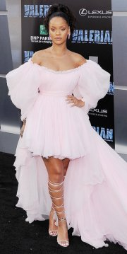"""HOLLYWOOD, CA - JULY 17: Singer Rihanna arrives at the Los Angeles Premiere """"Valerian And The City Of A Thousand Planets"""" at TCL Chinese Theatre on July 17, 2017 in Hollywood, California. (Photo by Jon Kopaloff/FilmMagic)"""
