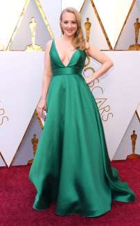 rs_634x1024-180304141119-634-Wendi-McLendon-Covey-2018-oscars-academy-awards