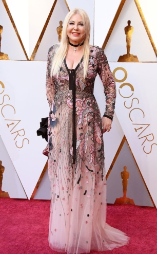 rs_634x1024-180304142951-634-2018-oscars-academy-awards-monika-bacardi