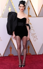 rs_634x1024-180304154305-634-st-vincent-2018-oscars-academy-awards