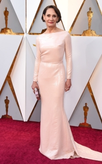 rs_634x1024-180304164651-634-laurie-metcalf-stone-2018-oscars-academy-awards