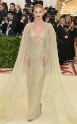 rs_634x1024-180507161843-634-2018-MET-gala-rosie-huntington-whiteley