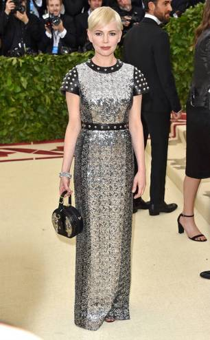 rs_634x1024-180507173642-634.michelle-williams-met-gala-2018-arrivals.ct.050718