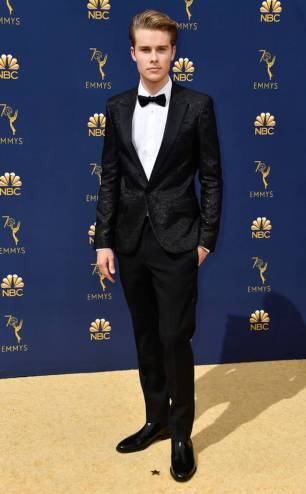 rs_634x1024-180917145812-634-2018-emmy-awards-red-carpet-fashionlogan-shroyer