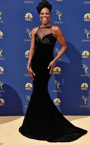 rs_634x1024-180917151204-634.yvonne-orji-2018-emmy-awards-red-carpet-arrivals.ct.091718