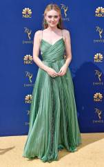 rs_634x1024-180917151256-634-dakota-fanning-2018-emmy-awards-red-carpet-fashion