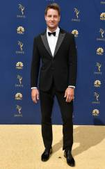 rs_634x1024-180917151714-634-justin-hartley-2018-emmy-awards-red-carpet-fashion
