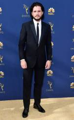 rs_634x1024-180917165210-634-2018-emmy-awards-red-carpet-fashion-kit-harrington