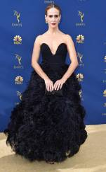 rs_634x1024-180917165517-634-sarah-paulson-2018-emmy-awards-red-carpet-fashion