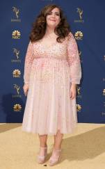 rs_634x1024-180917170050-634-aidy-2018-emmy-awards-red-carpet-fashion