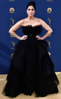 rs_634x1024-180917172747-634-sarah-silverman-2018-emmy-awards-red-carpet-fashion