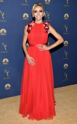 rs_732x1182-180917161658-rs_634x1024-180917145349-634-2018-emmy-awards-red-carpet-fashion-guiliana-rancic.cm.917182