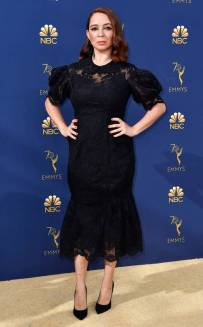 rs_732x1182-180917165358-rs_634x1024-180917145349-634-2018-emmy-awards-red-carpet-fashion-maya-rudolph.cm.91718