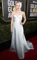 rs_634x1024-190106154143-634-2019-golden-globes-red-carpet-fashions-dakota-fanning.cm.1618