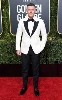 rs_634x1024-190106154222-634-2019-golden-globes-red-carpet-fashions-luke-evans