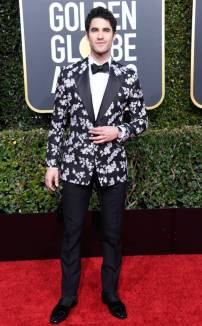 rs_634x1024-190106155508-634-2019-golden-globes-red-carpet-fashions-darren--criss