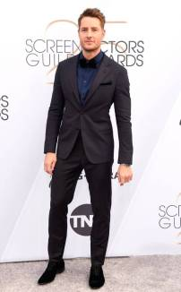rs_634x1024-190127153150-634-2019-sag-awards-red-carpet-fashions-justin-hartley