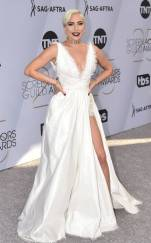 rs_634x1024-190127162208-634-2019-sag-awards-red-carpet-fashions-lady-gaga