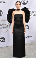rs_634x1024-190127163432-634-2019-sag-awards-red-carpet-fashions-allison-brie.cm.12719
