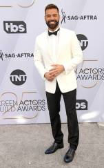 rs_634x1024-190127163608-634.ricky-martin-2019-sag-awards-red-carpet-fashions.ct.012719