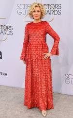 rs_634x1024-190127163945-634-2019-sag-awards-red-carpet-fashions-jane-fonda