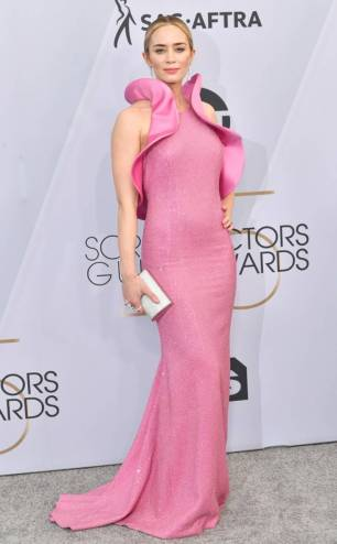 rs_634x1024-190127164003-634-2019-sag-awards-red-carpet-fashions-emily-blunt.cm.12719
